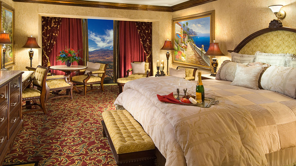 Peppermill Hotel Room