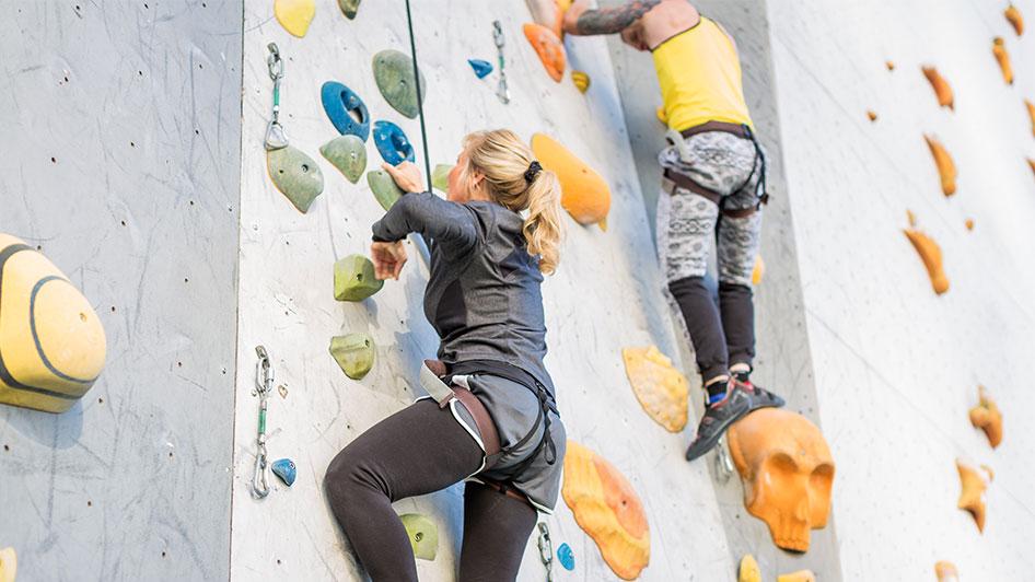 whitney peak hotel reno climbing wall