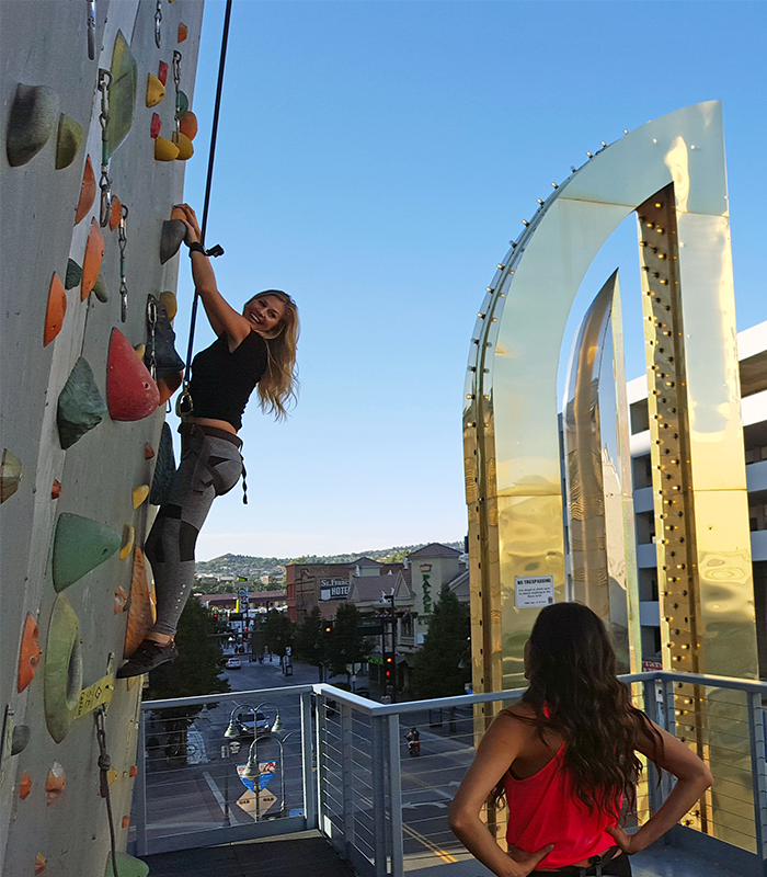 Climbing Wall Girls Mobile