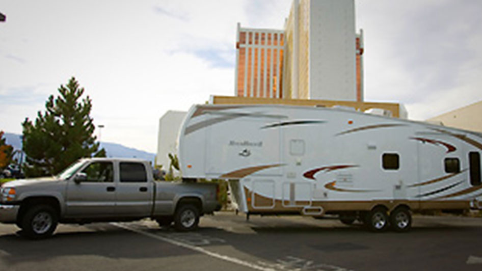 Please be advised that all incoming RVs, motor-homes and travel trailers must be in good condition and self-contained. Due to the high standards of quality in the GSR RV Park, pop-up trailers, tents or home constructed units will not be permitted.