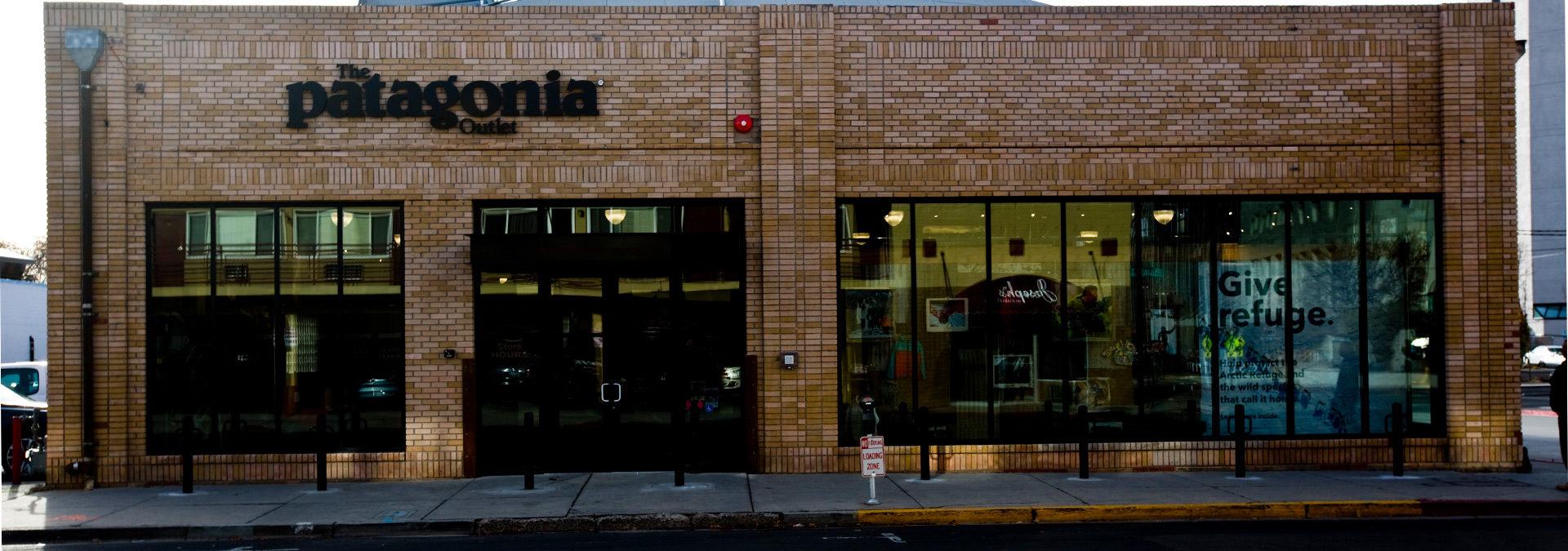 Patagonia Store Exterior 700x400 shopping