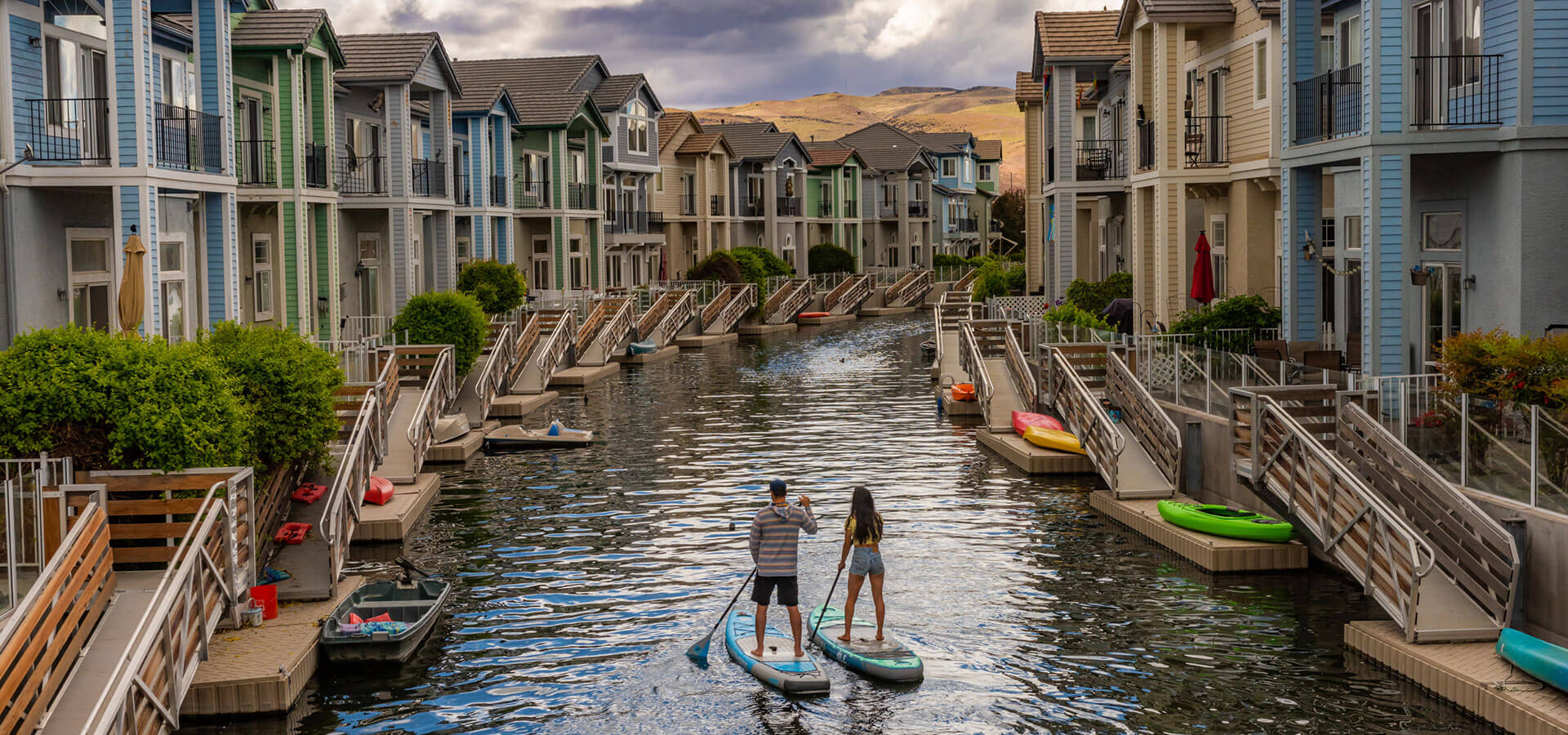 Stand-up paddleboarding Sparks Marina